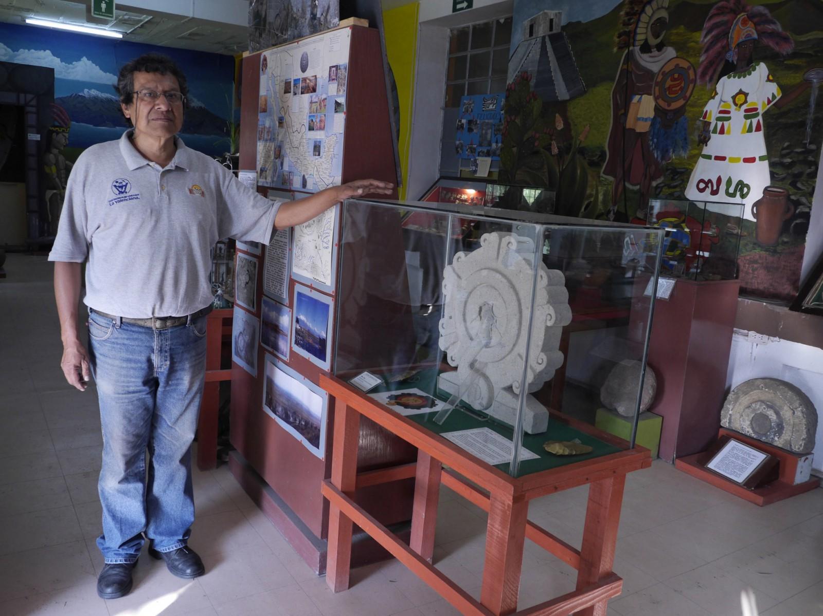 photo below: Genaro Amaro Altamirano in the Museo Comunitario in Xico. >>>